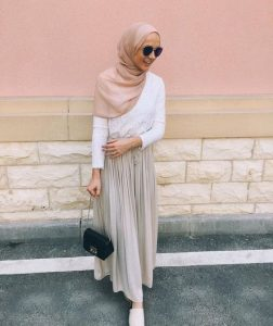 Chic Ways to Style Pleated Skirt For Hijab