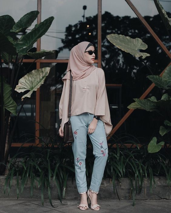 Hijab style in pastel colors