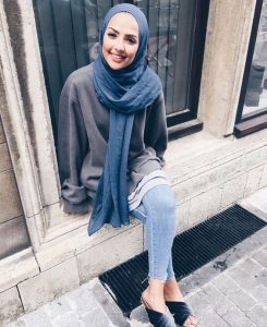 How to Style Hijab With Sweater Like Fashion Bloggers