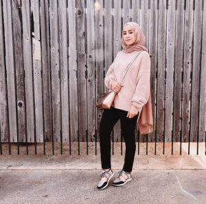 Pink sweater hijab