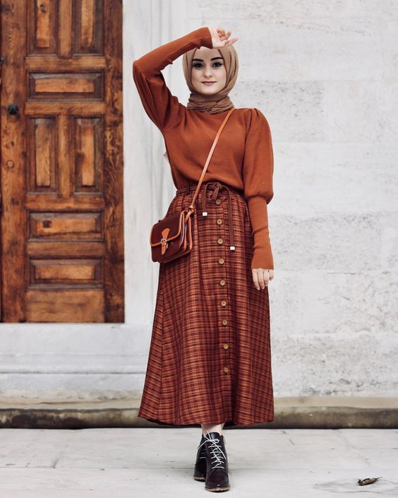 Stylish Ways To Wear Button Skirt For Hijab Outfit
