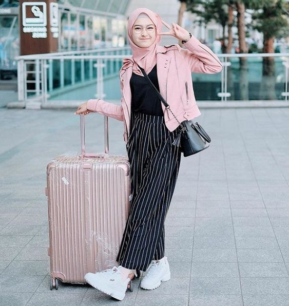 Chic Hijab Airport Outfit Ideas