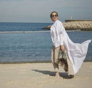 Wear Beach Outfit For Hijabis