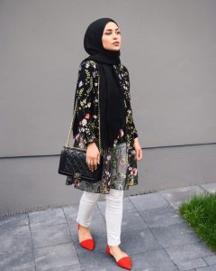 What to Wear With Floral Outer For Hijab Outfit