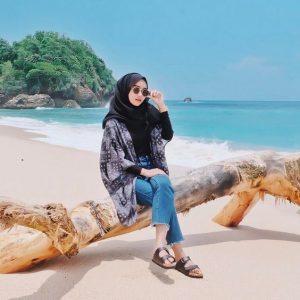 hijab beach
