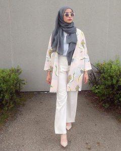 pink floral kimono + white shirt + loose pants + gray scarf
