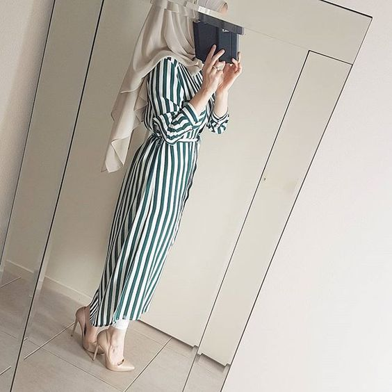 How to Style Striped Dress For Hijab Fashion