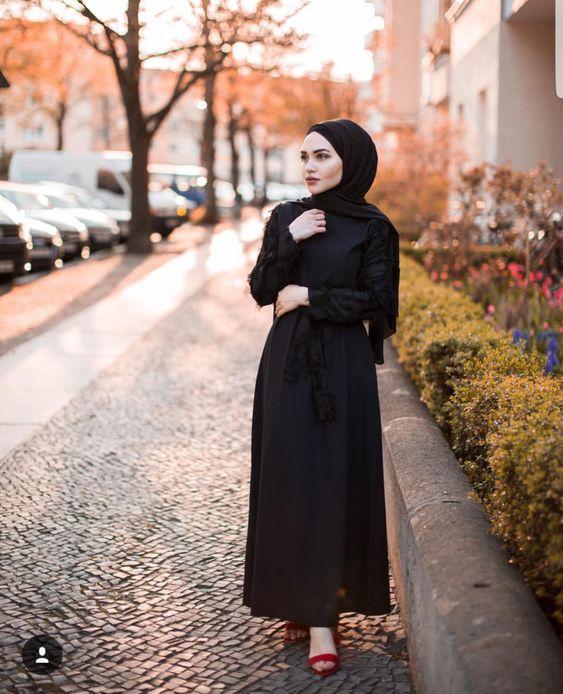 Black hijab style