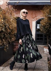 Hijab Outfit Ideas With Pattern Skirt