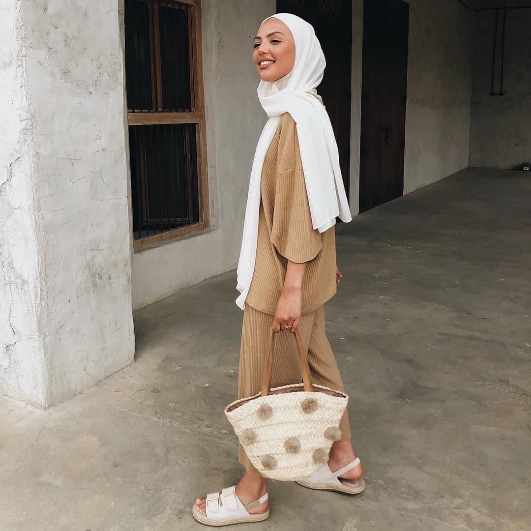 Summer Hijab Outfit Ideas That Are Totally Cozy for Warmer Weather @sauf.etc