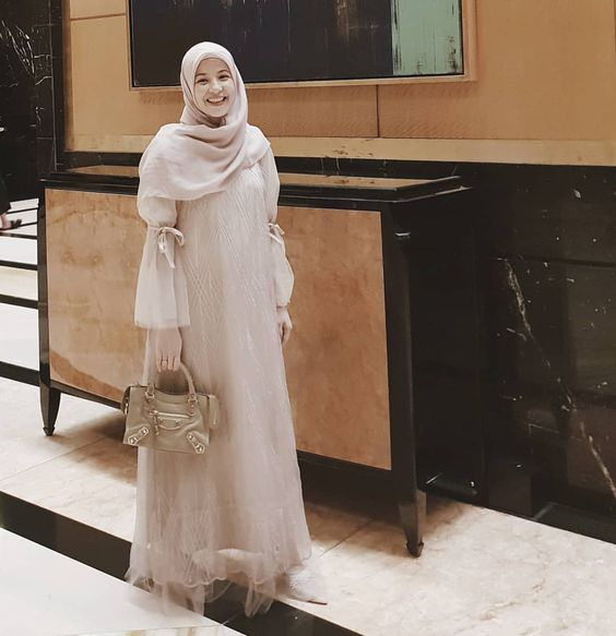 Abaya in Baby Pink