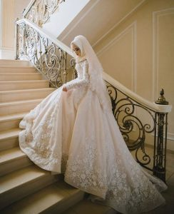 Elegant Hijab Bridal Look Ideas To Wear At Your Wedding