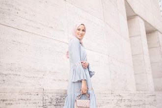 5 Hijab Styling Tips For Dressing Modestly In The Heat Flowy Dress via @simplyjaserah