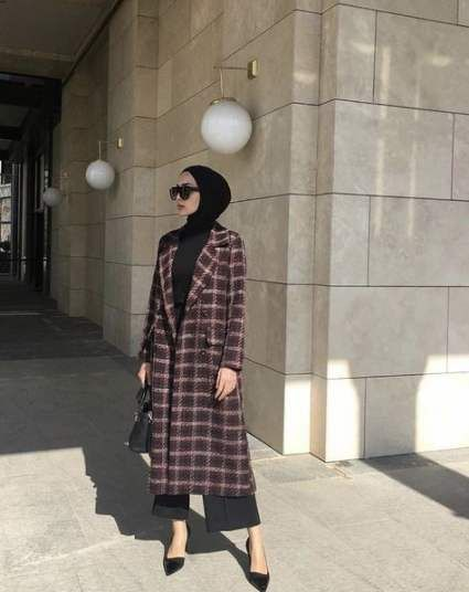 Hijab And Coat Style You Need To Warm Up Your Body This Season