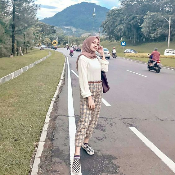 How to Wear Checked Pants For Hijab Outfit