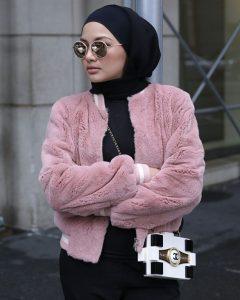 Neelofa looks with mini bag