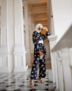 Hijab Set Outfit That Every Fashion Girl is Wearing Now@beyyzaakk