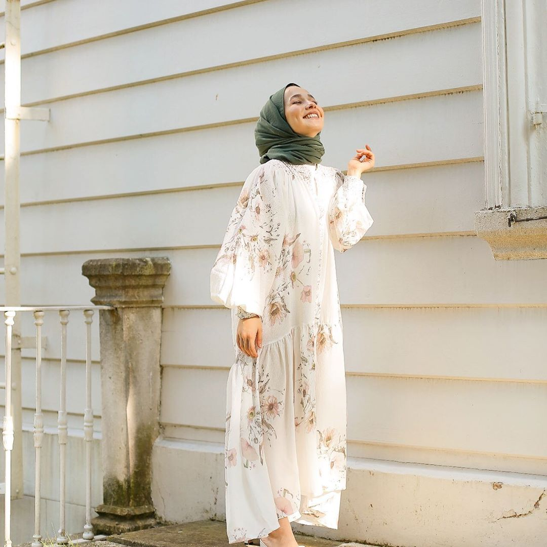 Fashion Trend With Statement Dress For Hijab Outfit