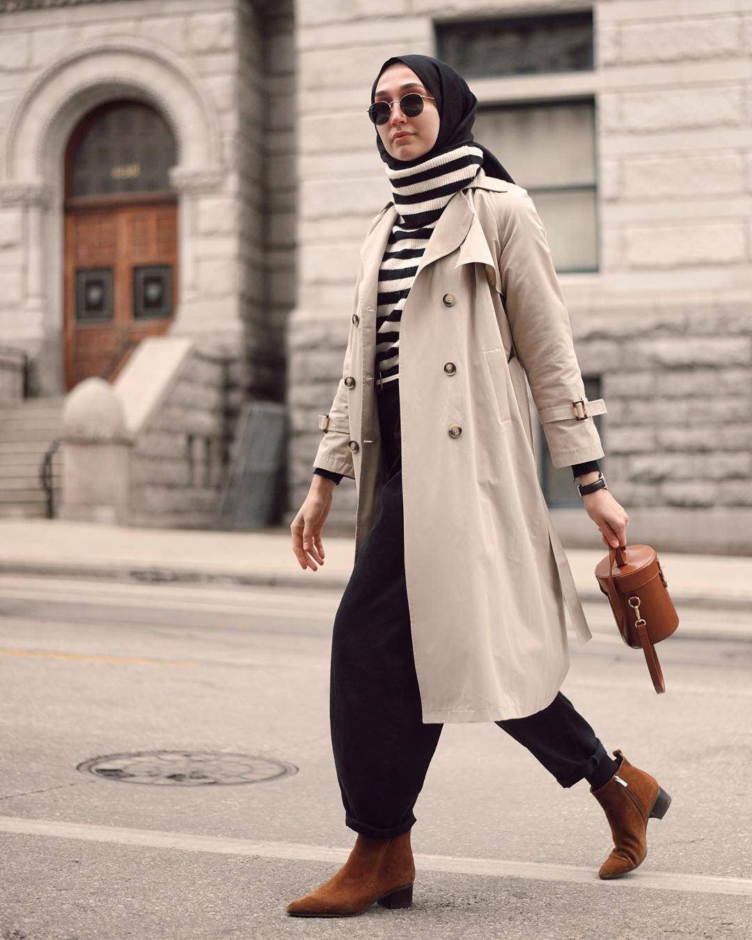 Turtleneck Looks Ideas That'll Elevate Your Winter Hijab Style