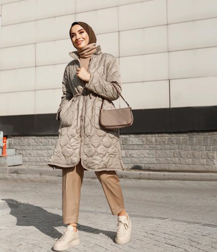 How to Style Puffer For Hijab Winter Looks