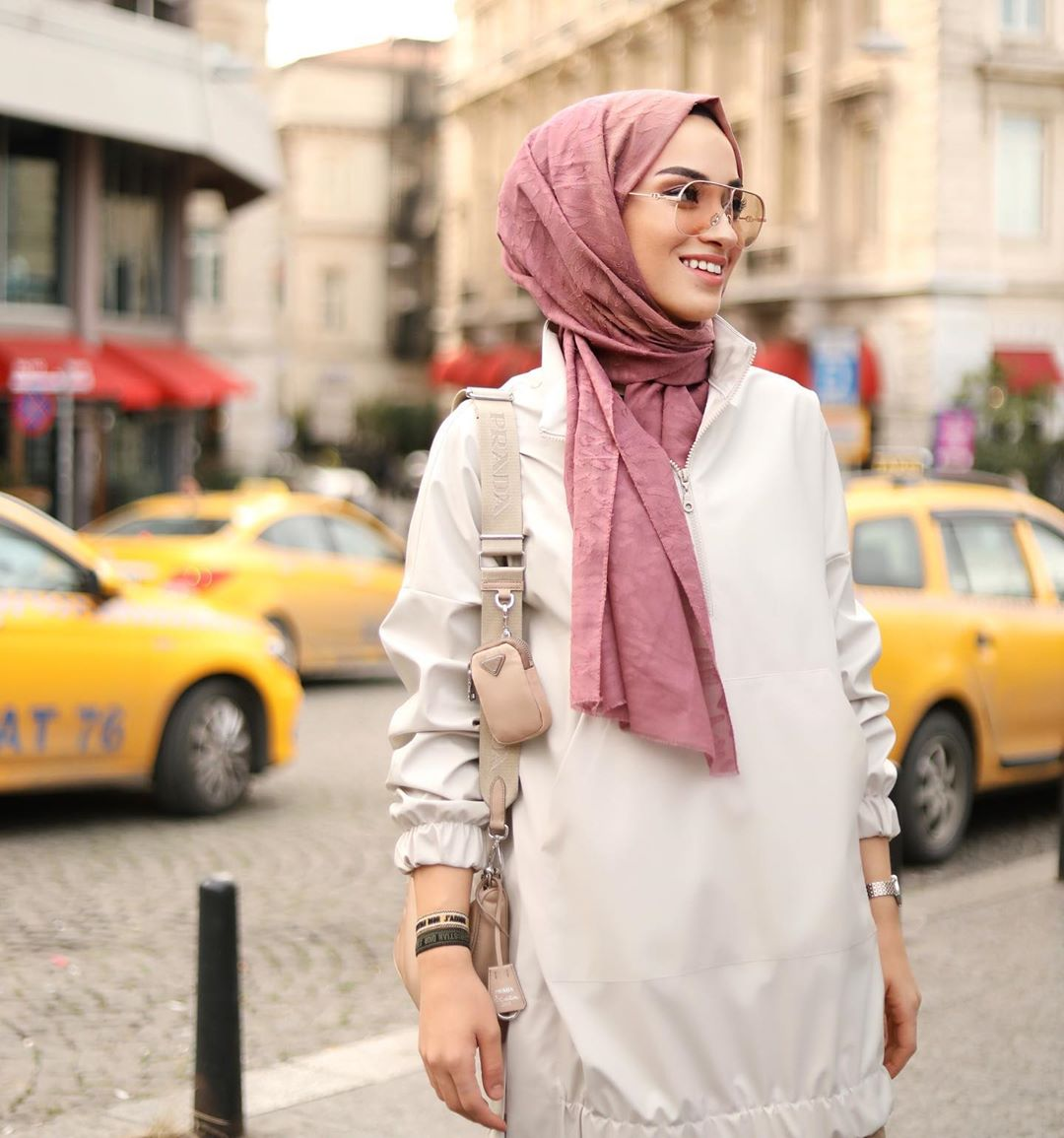 Stylish Ways To Wear Sunglasses For Hijab
