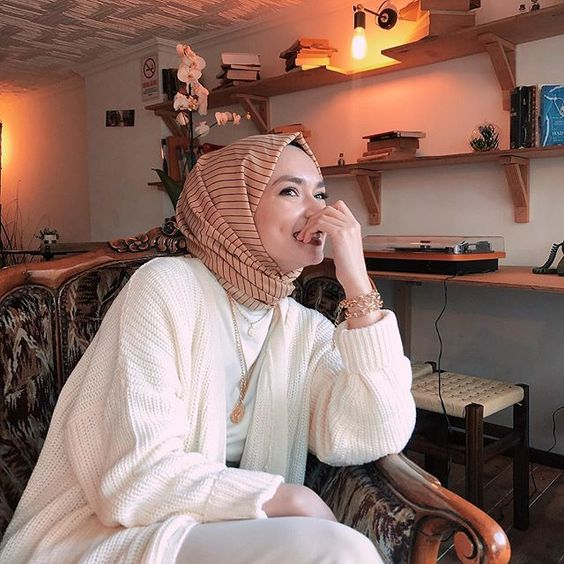 Printed Hijab Scarf Style Ideas To Try Different Looks