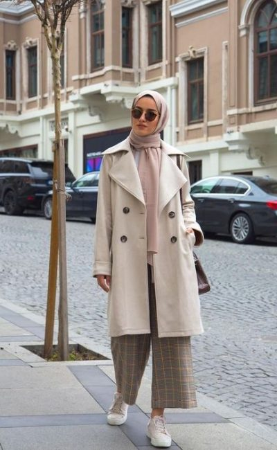 Tips on wearing a trenchcoat