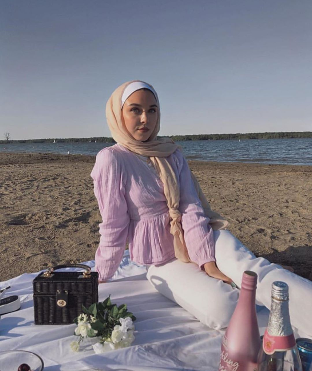 Trend Hijab Outfit For Picnic Style Ideas