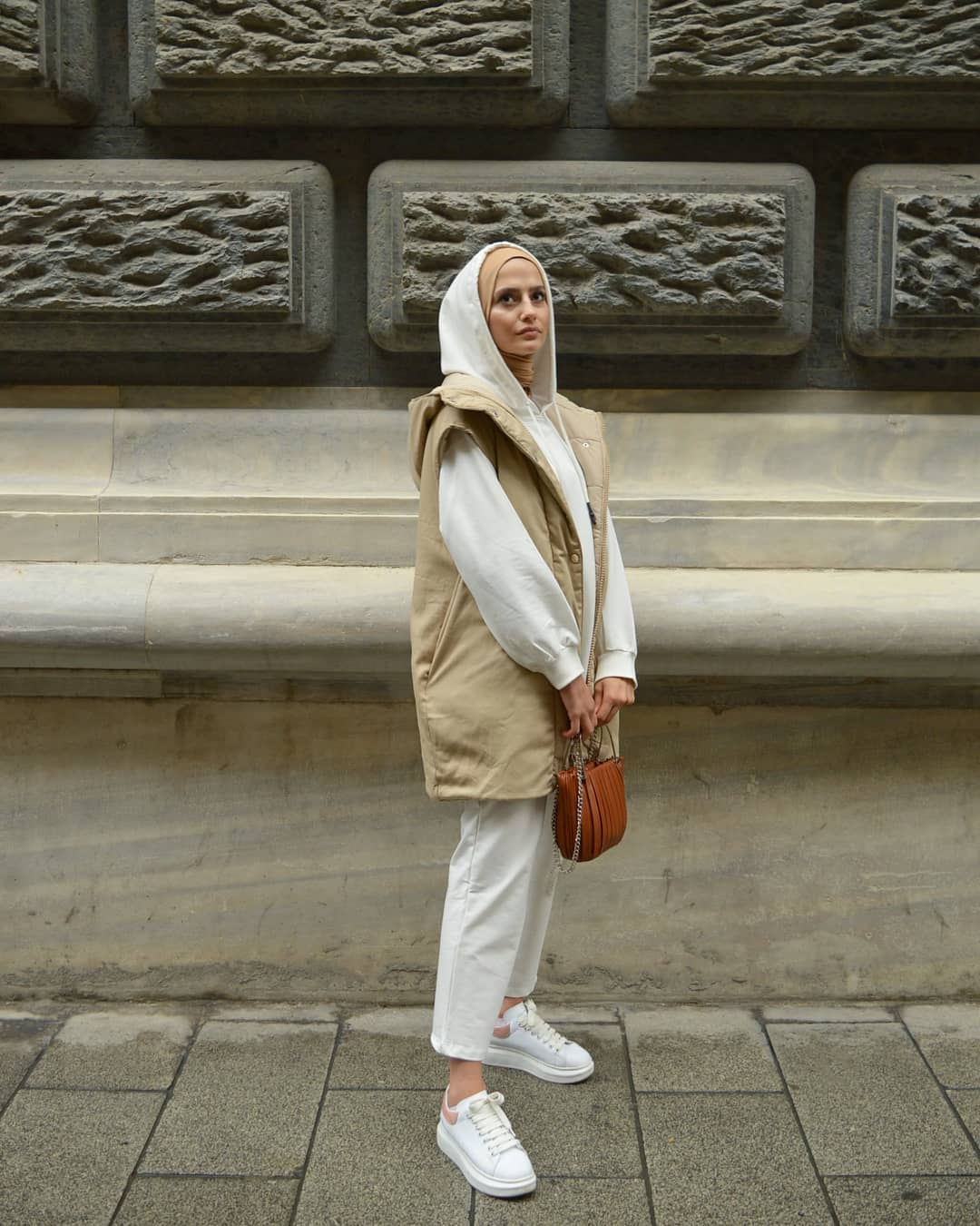 Casual Hijab Hoodie Trend Outfit Ideas