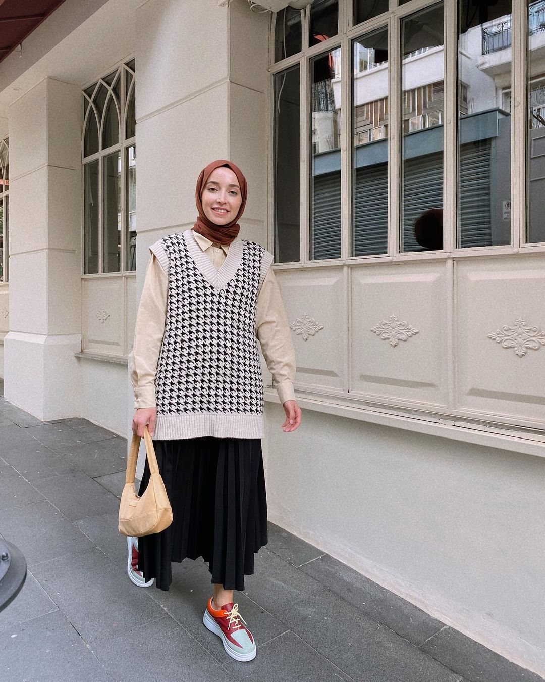 Hijab Sweater Vest Trend Outfit For That You Need To Try This Year