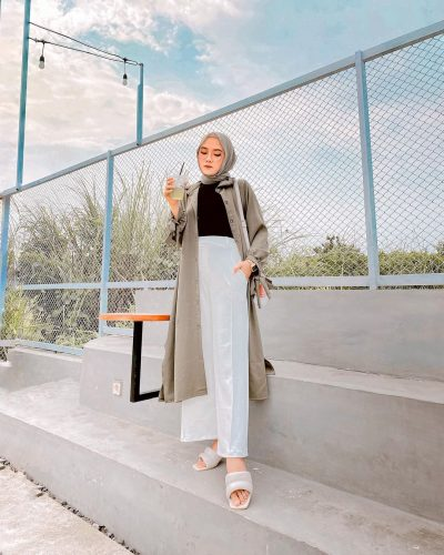 Chic Ways to Style High-waisted Pants For Hijab Outfit