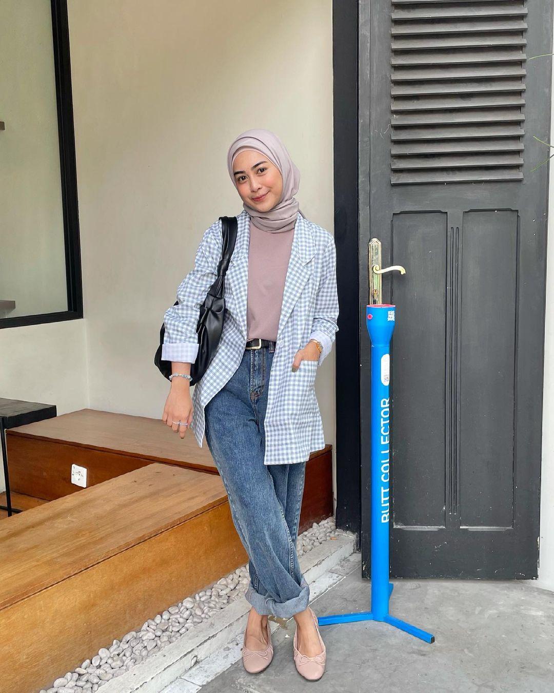 Cara Membuat Gaya Blazer Agar Terlihat Seperti Jilbab yang Modis