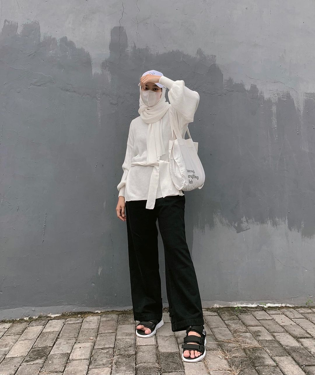 How to Style White For Hijab Style For Summer Looks