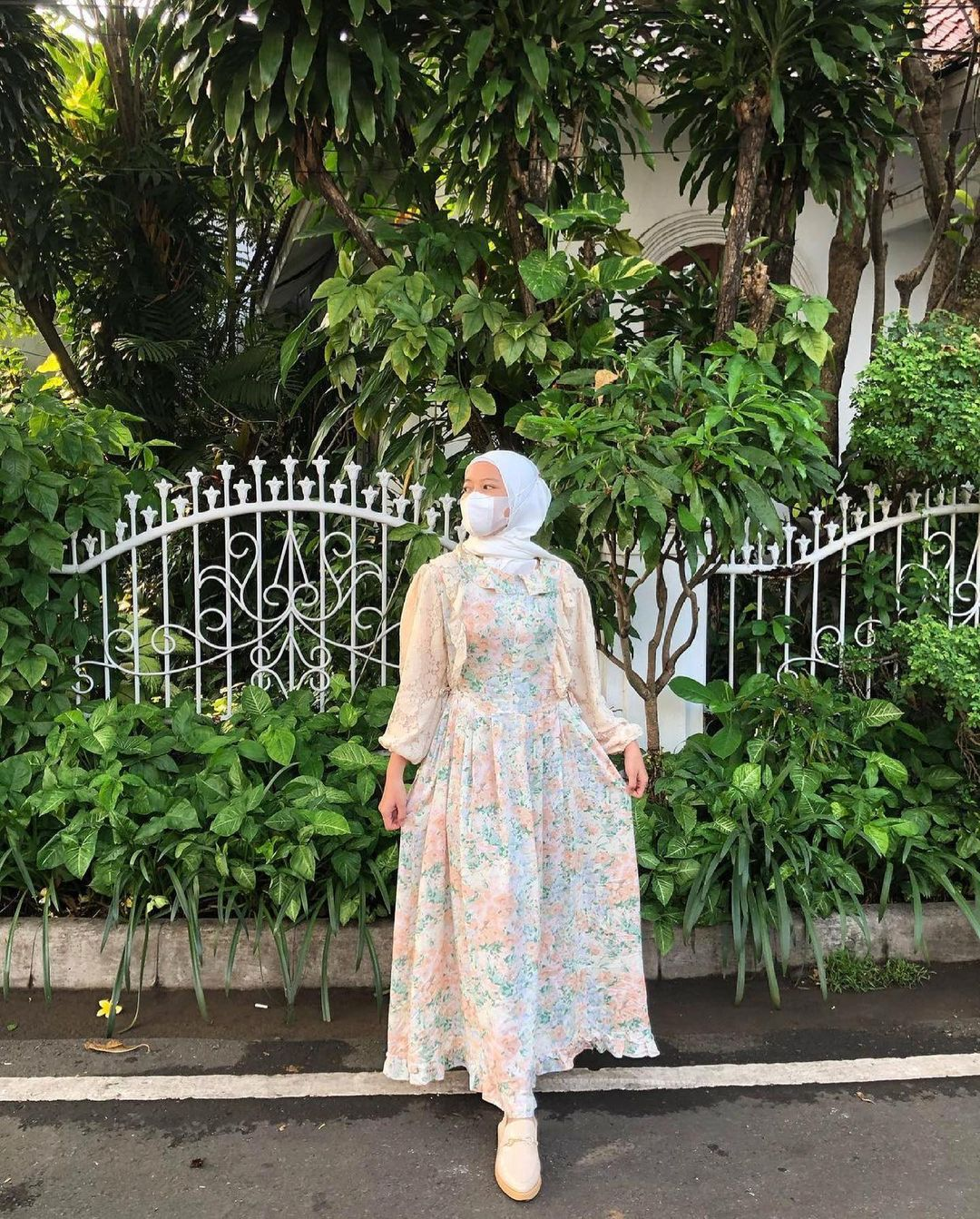 The Timeless Hijab Outfit With Floral Dress For Any Occasions