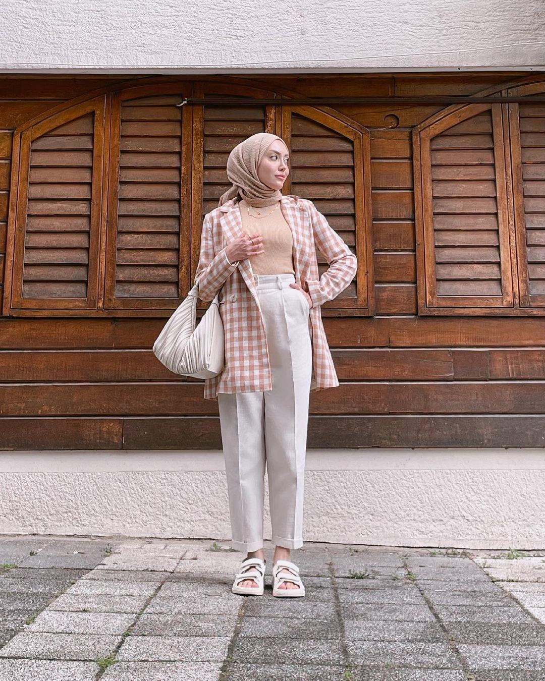 Ide Hijab Awal 2021 yang Dapat Anda Salin