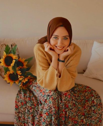 Chic Ways To Pull Off Knitwear For Hijab Outfit This Fall